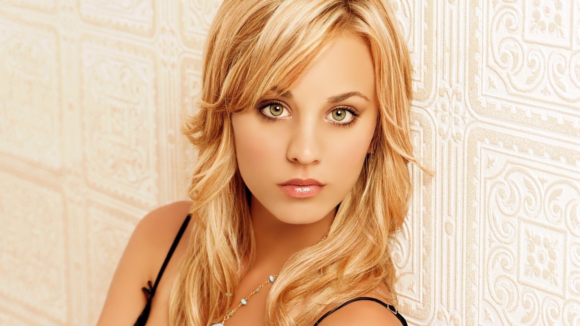 Kaley-Cuoco-Net-Worth.jpg