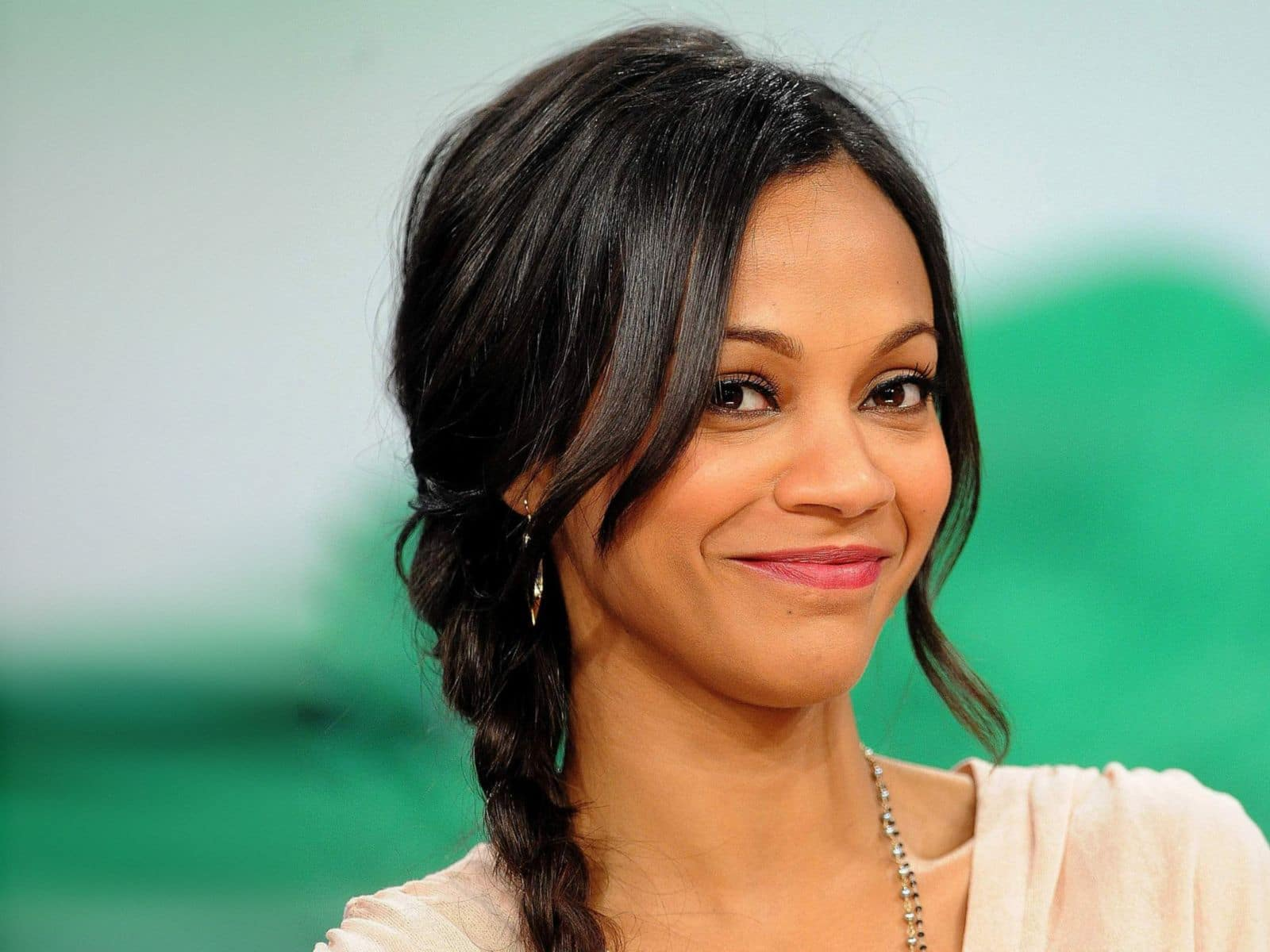 Zoe Saldana Net Worth & Bio/Wiki 2018: Facts Which You ...