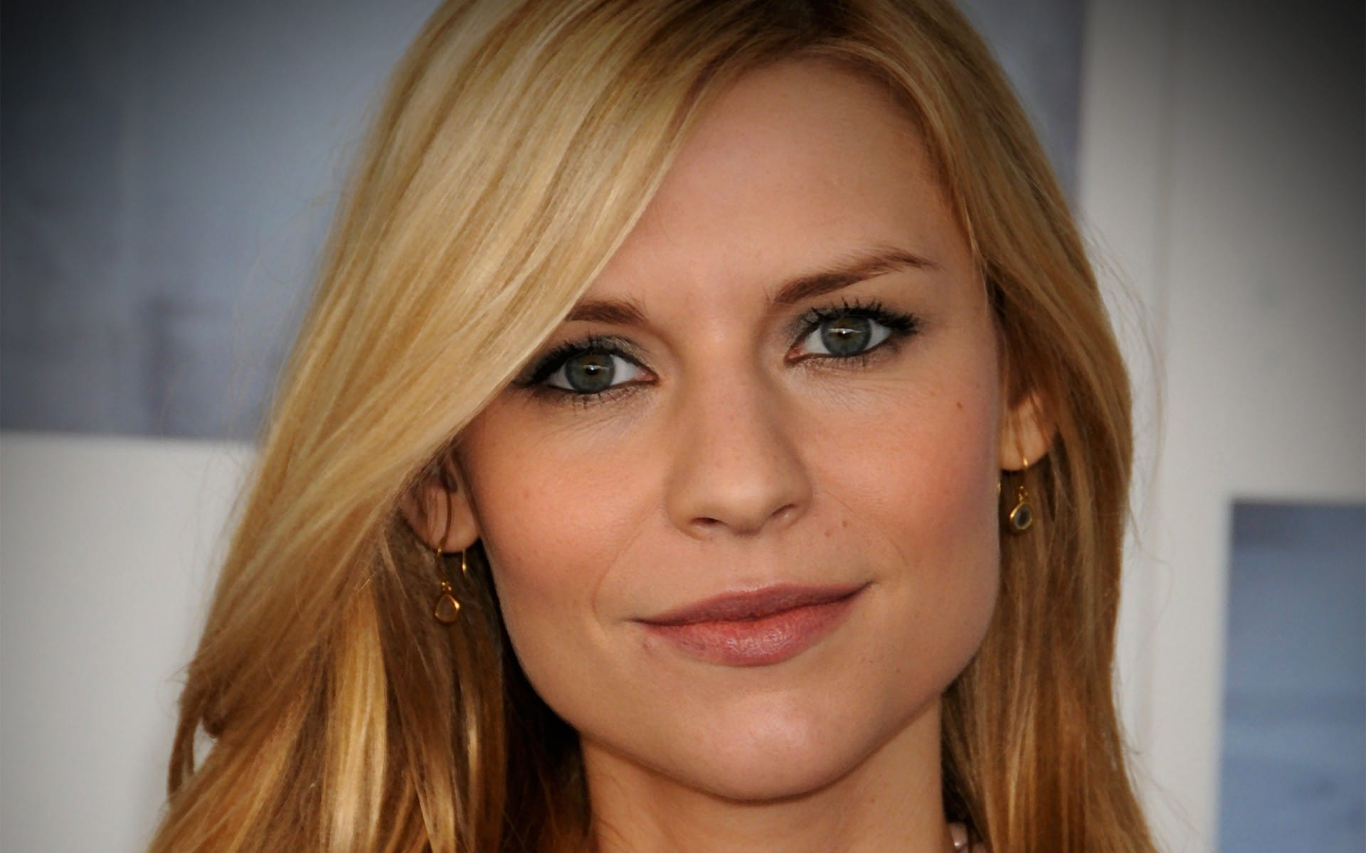 Claire Danes Net Worth, Bio 2017-2016, Wiki - REVISED ... Claire Danes Salary