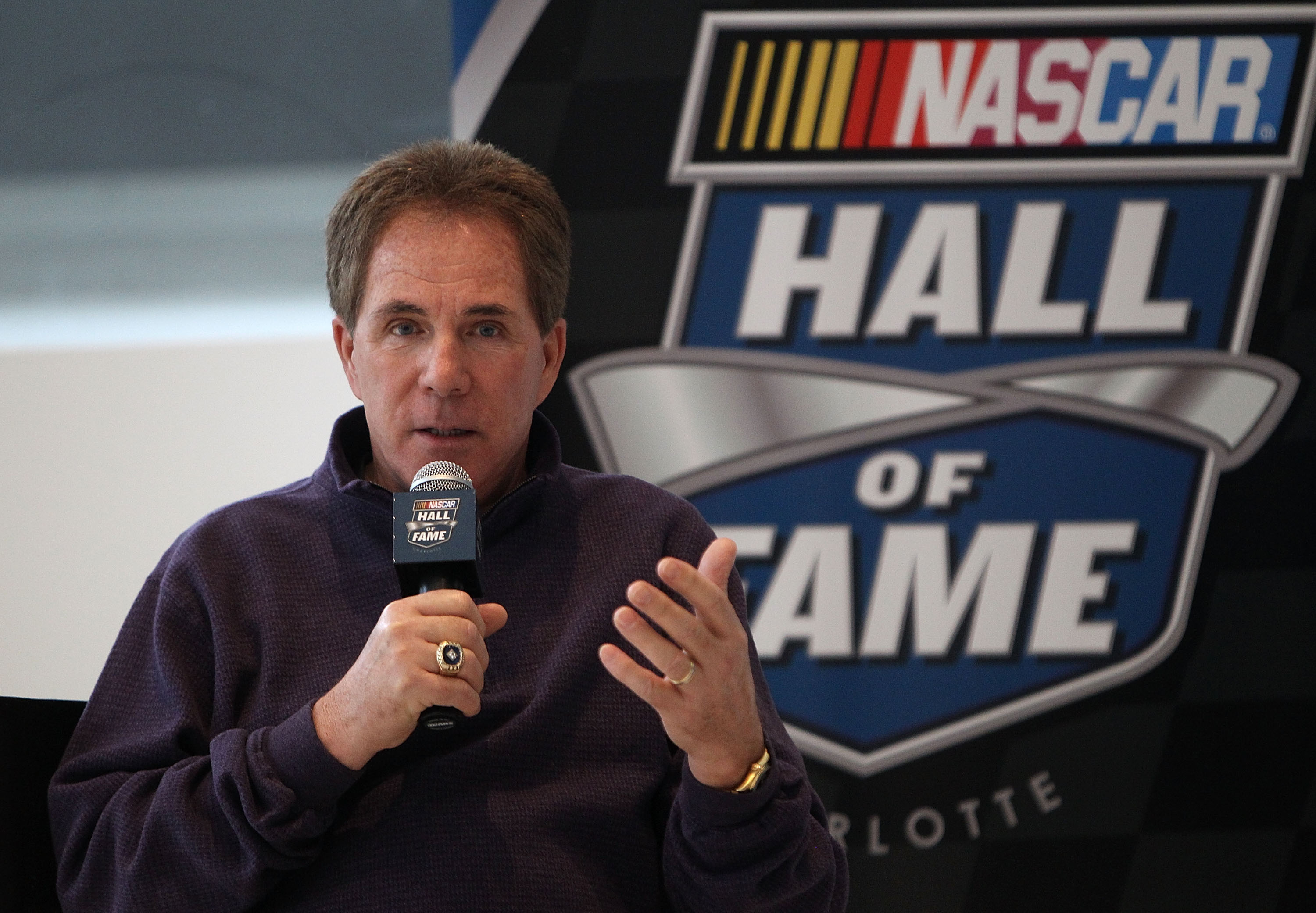 Darrell Waltrip earned a  million dollar salary, leaving the net worth at 25 million in 2017