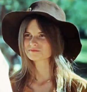 How Rich is Kay Lenz? Net Worth, Height, Weight, Age, Bio