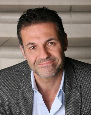 khaled hosseini biography
